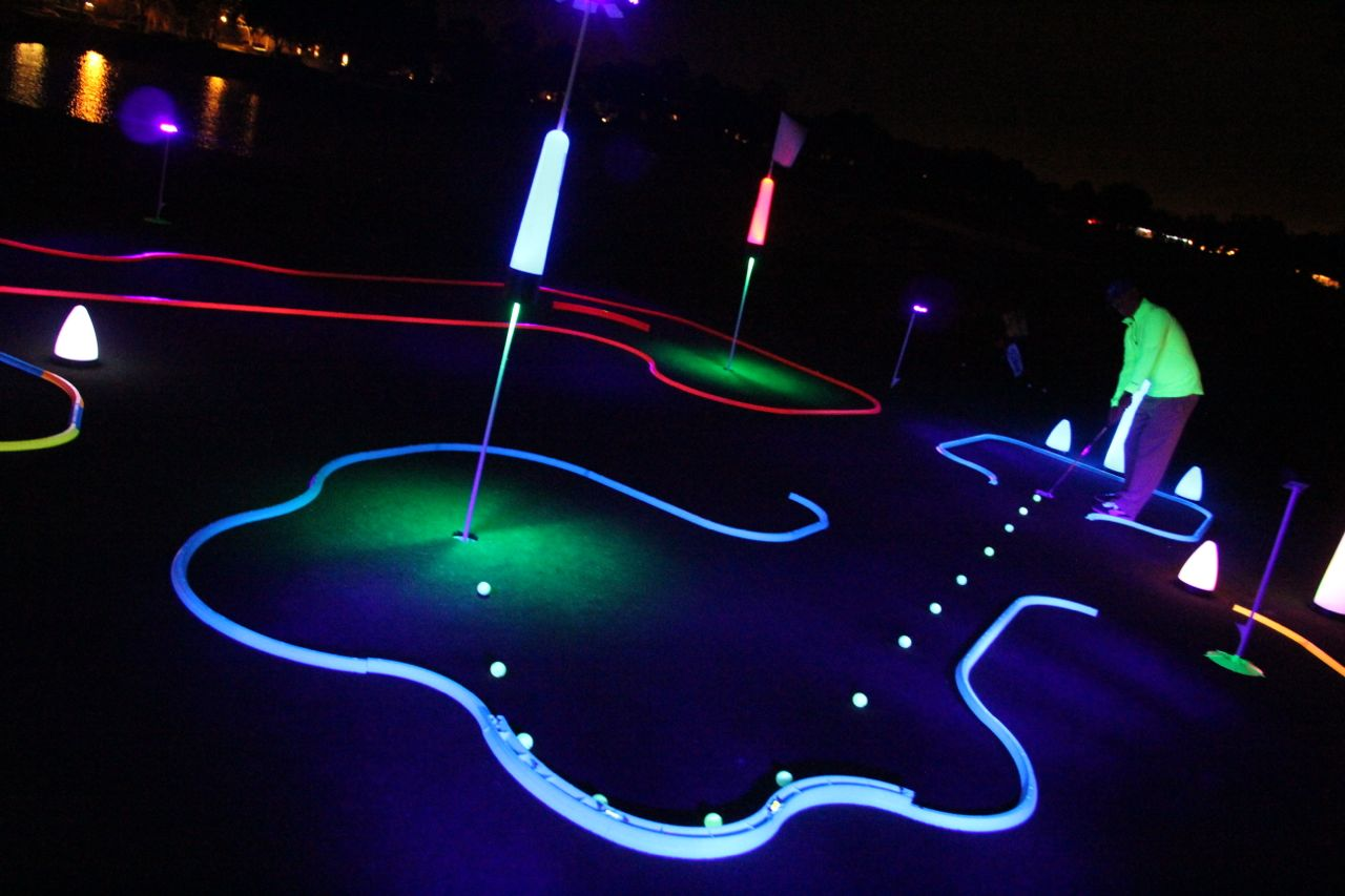 Glow in the dark golf games