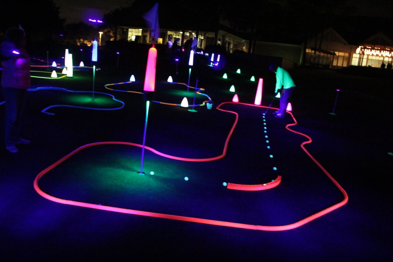 glow golf putting games