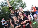neon run family photo