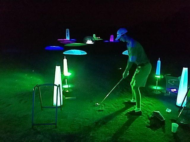 glow golfer