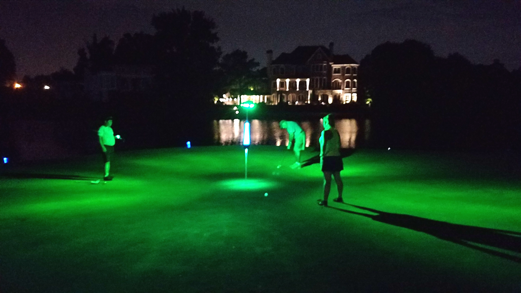 lights designed to light up putting greens